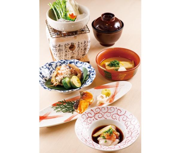 長崎・五島列島産クエの鍋やメダイのウニ焼き、能登産カキの湯葉揚げなど