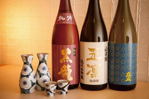 富山の立山酒造や福井の黒龍酒造など、日本酒も北陸のものを厳選して、加賀前寿司とペアリング