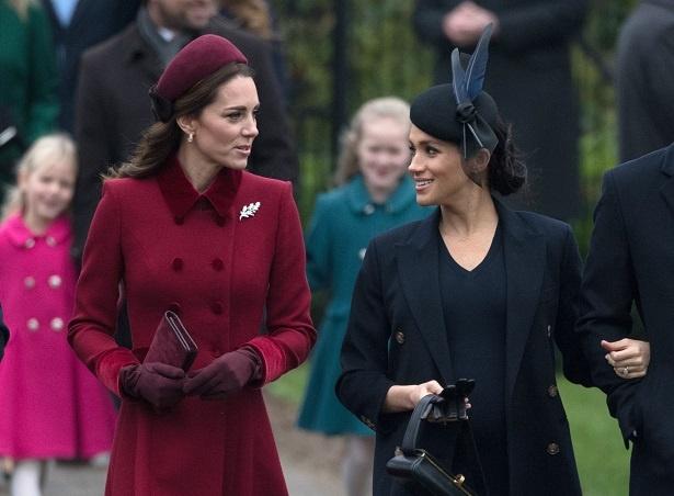 チャールズ皇太子のレセプションに英王室メンバーが集結
