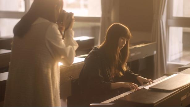 音楽を手掛けるのは『さよならの朝に約束の花をかざろう』の主題歌も担当したrionos
