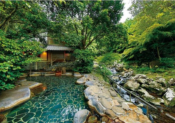 大正屋 椎葉山荘 しいばの湯 / 嬉野一の広さを誇る渓流沿いの露天風呂