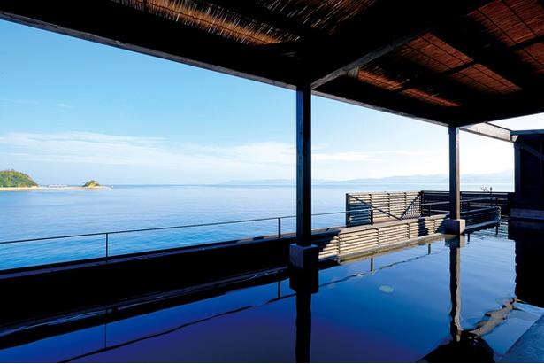 長崎伊王島 島風の湯 / 湯舟から水平線を見渡せる「展望露天風呂」