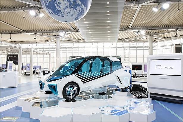 燃料電池自動車コンセプトカー FCV PLUS