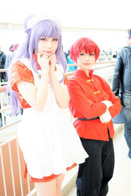 「らんま1/2」のシャンプーに扮したゆゐさん(写真左)と、早乙女らんまに扮したまっしゅぽてとさん(同右)