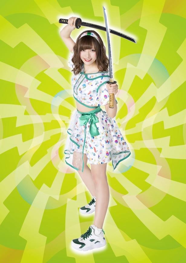 【写真を見る】3月21日(木)の公演に出演するバンドじゃないもん!MAXX NAKAYOSHIの望月みゆ