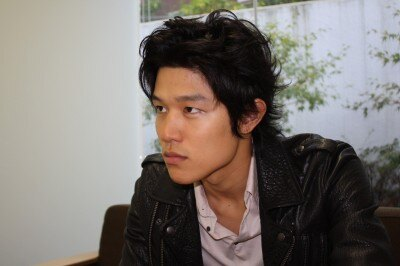 鈴木亮平 (モデル)の画像 p1_6