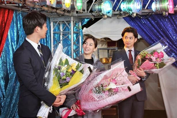 工藤阿須加のあいさつを見守る北川景子と千葉雄大