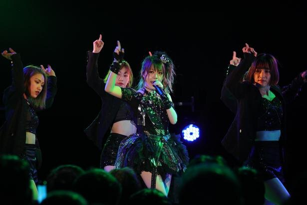 1月と2月にはソロライブ「れーな100%!vol.4アクロディーバ」を開催した。DA PUMPのKENZOが付けたロックダンスとモーニング娘。のキャッチーなダンスが交互する楽しいステージに