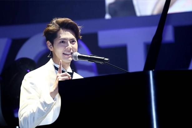 ピアノとともに登場!片寄涼太が上海ファンミーティング開催