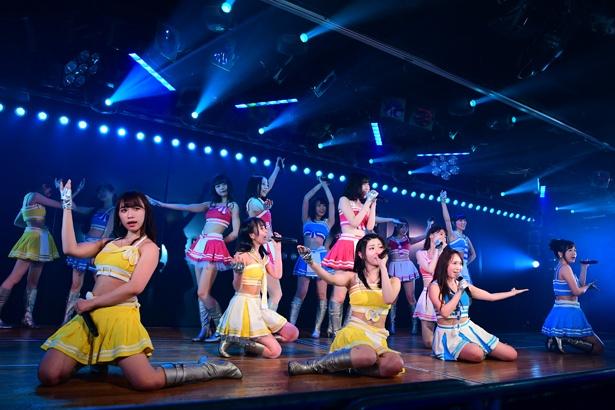 AKB48劇場でのチームB「シアターの女神」公演の様子(1)
