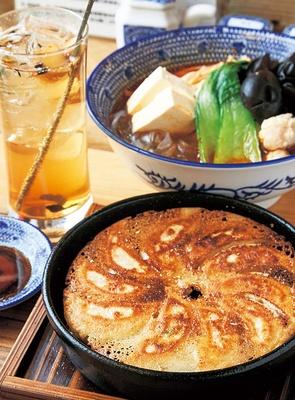 食べてほしいNo.1は、もちろん鉄鍋餃子!/餃子の山崎