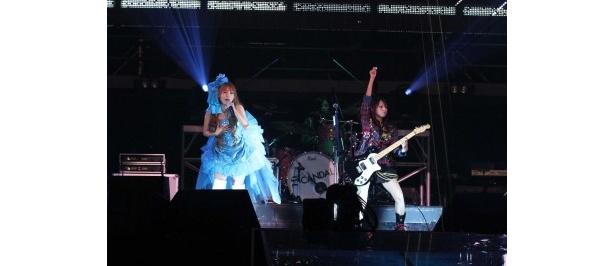 SCANDAL×中川翔子という夢の共演に横浜アリーナが揺れた