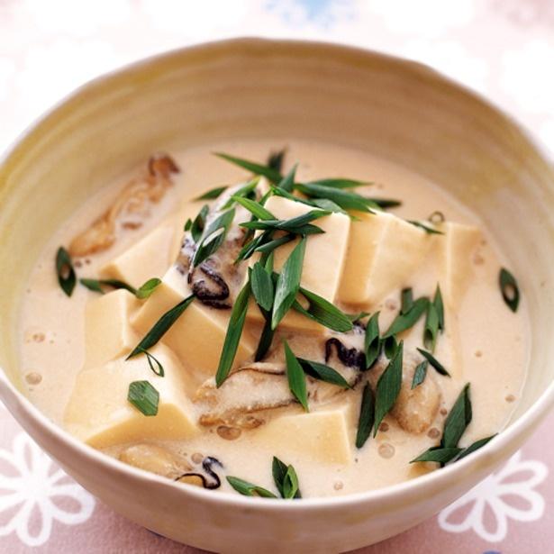 「かきと豆腐の豆乳スープ煮」