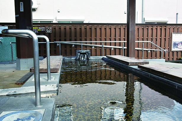 女性に人気の嬉野温泉を足湯で楽しめる「湯宿広場」