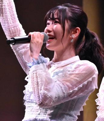 【写真を見る】横山由依さん(AKB48)