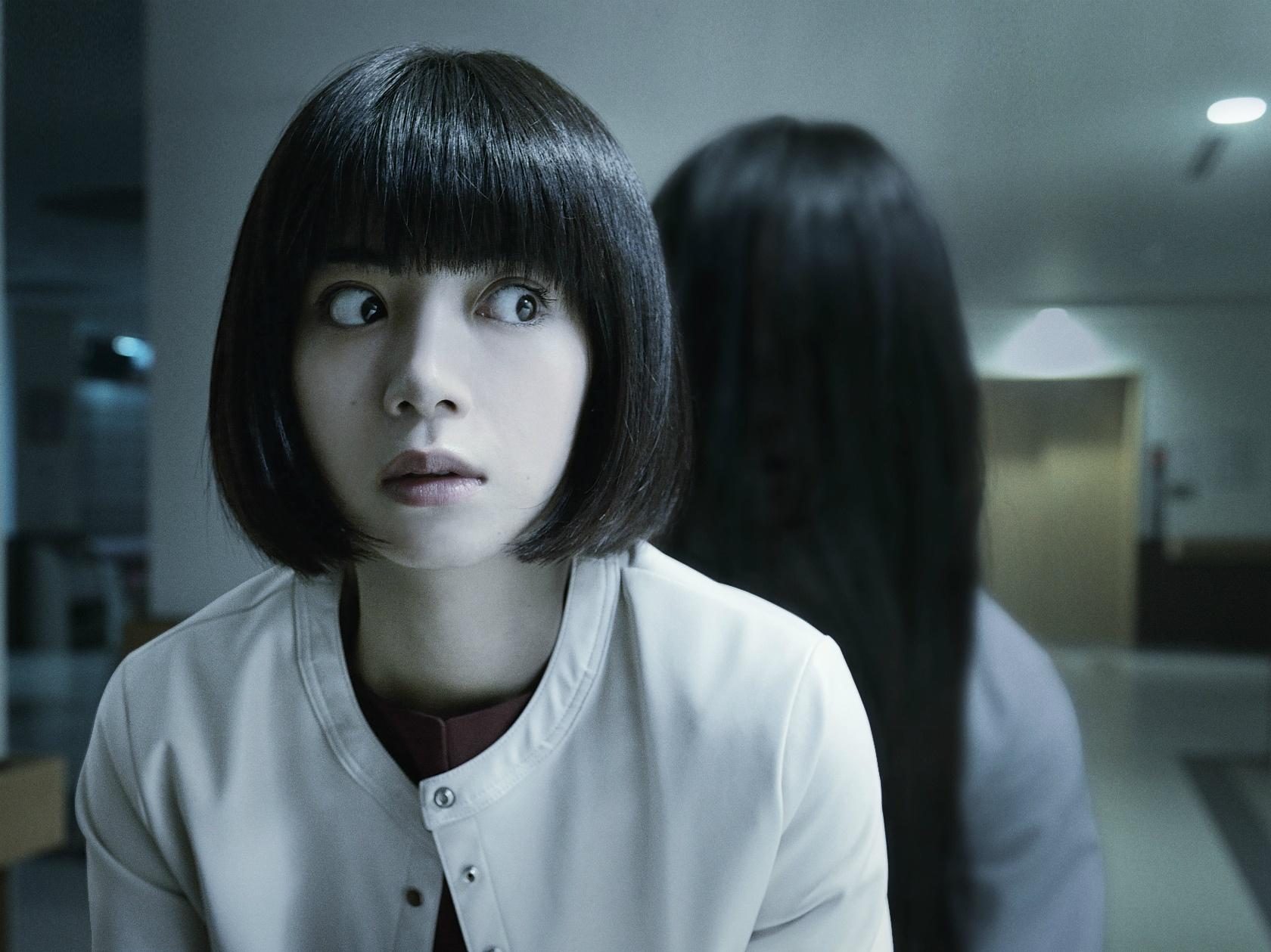 主人公・茉優を演じる池田エライザは病院で心理カウンセラーとして働いている