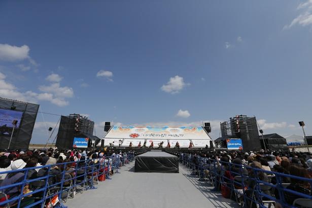沖縄の青空をバックに豪華イベントを開催!(島ぜんぶでおーきな祭)