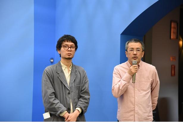 写真左からイベントプロデューサーの青木氏、「王蟲の世界」を手がけた造形家の竹谷氏