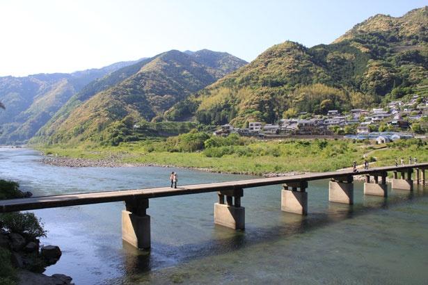 サイクリングや散策でも楽しめる「名越屋沈下橋」