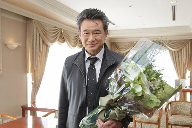 【写真を見る】船越英一郎は錦戸亮との共演シーンでクランクアップ