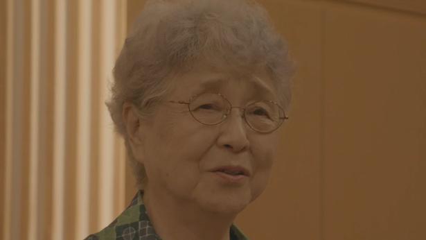 横田早紀江さんのめぐみさんに宛てた手紙を軸に、夫婦の戦いをドキュメンタリーとドラマで描いていく