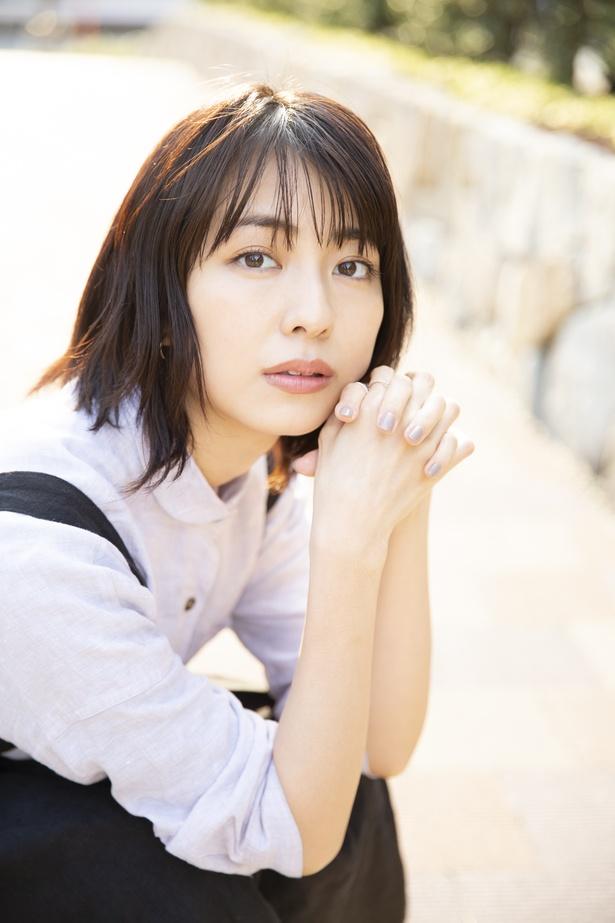 1st写真集「半透明」への思いを語る、小島梨里杏さん
