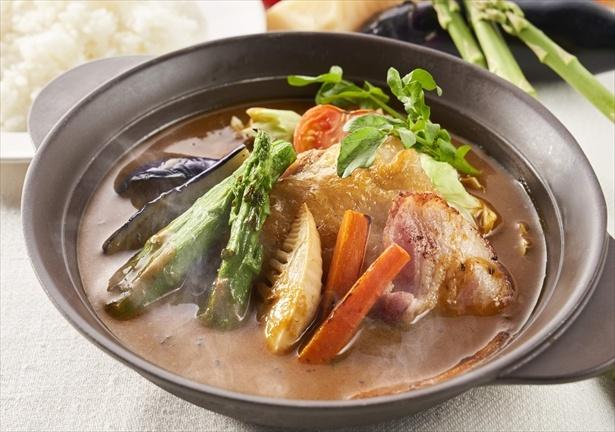 「阿波尾鶏と彩り野菜のスープカレー(ライスつき)」(1199円)