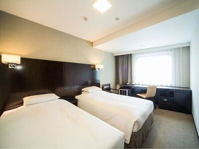 客室は全室禁煙、また、ベッドには全米ホテルベッドシェアNo.1のサータブランドマットレスを採用