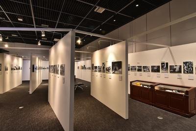 【写真を見る】大井連絡所での仕事風景など、数々の貴重な写真を公開