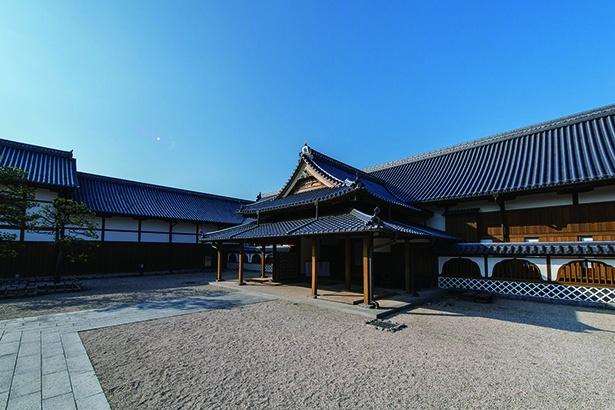 「佐賀県立佐賀城本丸歴史館」。本丸御殿は「城」の中枢部の建物で、藩主が政治や生活をしていた