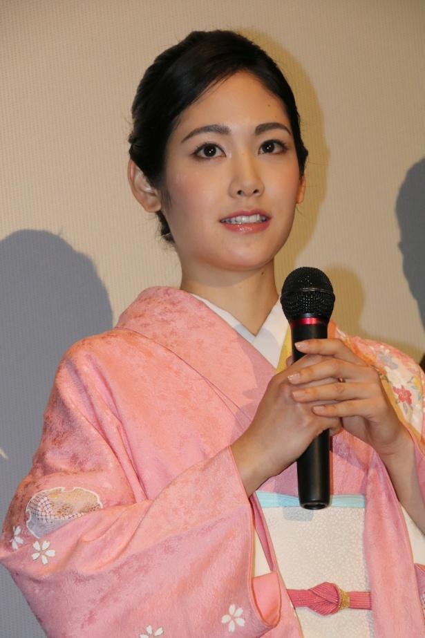 『ソローキンの見た桜』の公開記念舞台挨拶に登壇した阿部純子