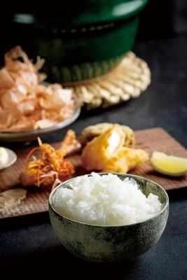 食堂ぎんみ / 日田の天然水で炊く米はみずみずしく、噛むほどに甘い。コースは約11品で、ドリンク込み。お