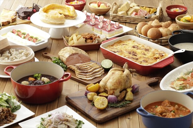 ビュッフェメニューイメージ。メインの肉料理はもちろん、サラダやデザートなども充実