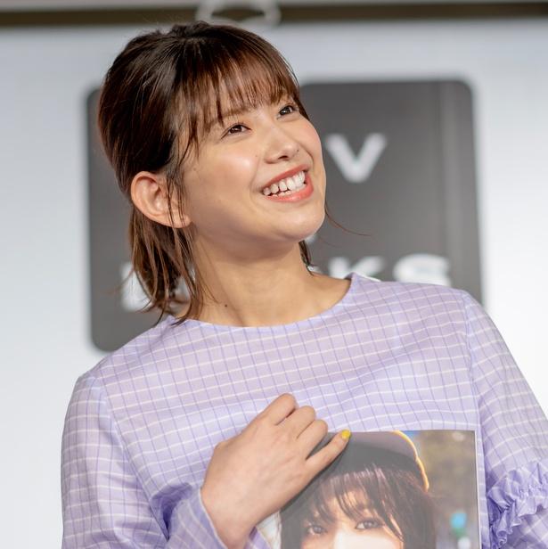 欅坂46渡邉理佐1st写真集「無口」(集英社)発売イベントより