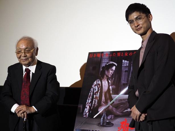 「多十郎殉愛記」大阪舞台挨拶が開催され、(左から)中島貞夫監督と高良健吾が登壇した