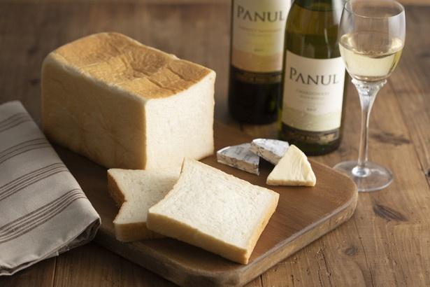「銀座に志かわ」の食パンは ワインとの相性もばっちり! やや酸味がある軽めの赤やロゼ、重めの白、スパークリングワインにも合う