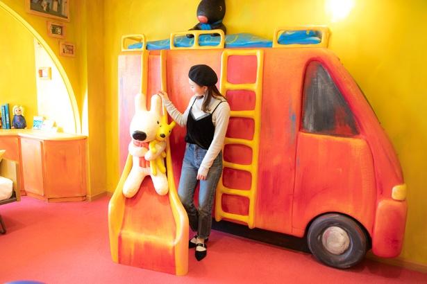 リサの家が再現された「リサ ルーム」。絵本に登場する家具類をはじめ、楽しさあふれる内装が魅力