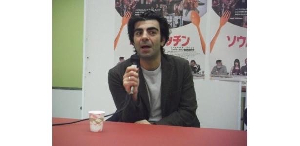 初来日を果たしたアキン監督は「日本に来たかった」と喜びを明かした
