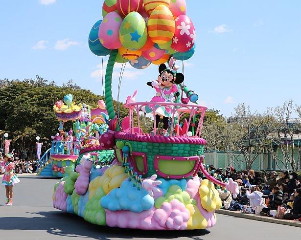 東京ディズニーランドのパレード「うさたま大脱走!」