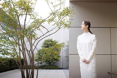 """松井玲奈 ジャンルはバラバラですが、全てに""""食""""という共通テーマがあります。"""