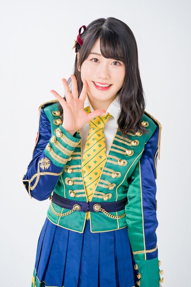 【写真を見る】「48グループの衣装のデザイナーになりたかったんです」と話した小田彩加