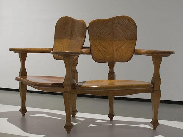 アントニ・ガウディ(デザイン)、カザス・イ・バルデス工房 「カザ・バッリョーの組椅子」(1904~06年頃、カタルーニャ美術館蔵)