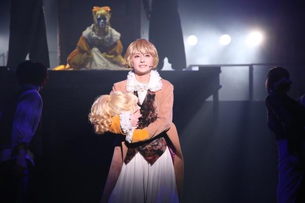 初演から2年後の今、再びあの断頭台のシーンから始まった「悪ノ娘」。物語は同じでも、劇は異なるものとして完成された