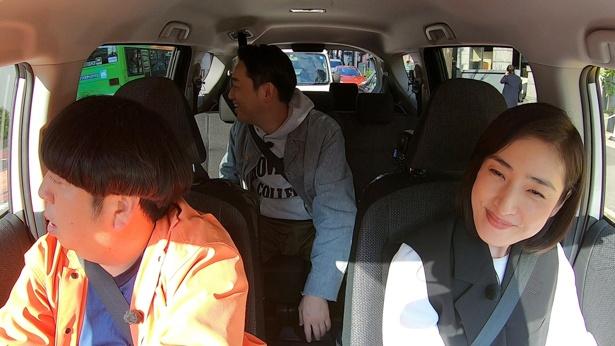 天海祐希が主演を務めるドラマ「緊急取調室」の収録現場に差し入れする、お菓子を探す旅へ