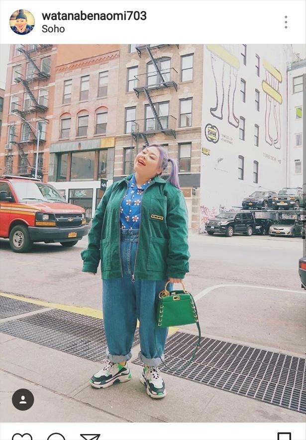 ニューヨークの街角で風を感じる渡辺直美