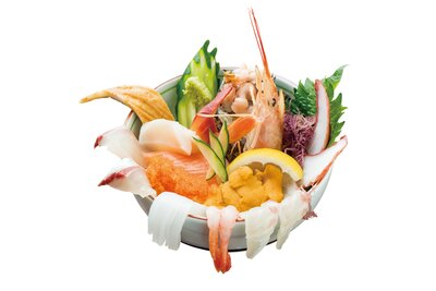朝日屋 / 「海鮮丼」(1980円)。ウニやサザエ、旬の魚など10種以上の新鮮なネタを使用。小鉢、茶碗蒸し、味噌汁、デザートが付く