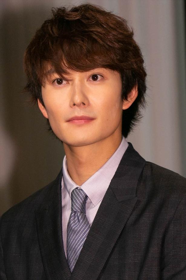成長した咲太郎を演じる岡田将生
