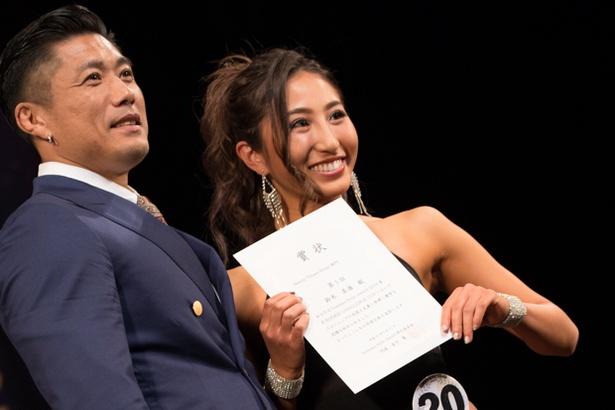 「サマースタイルアワード」をプロデュースする金子賢(写真左)