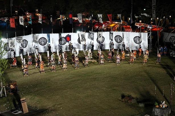 【写真を見る】上杉・武田両軍の激突を再現