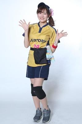 野崎夏凜 / 2年目 / お客様ひとりひとりに必ず満足して頂けるような接客を心がけています!野球が好きなのでお話できたらうれしいです!